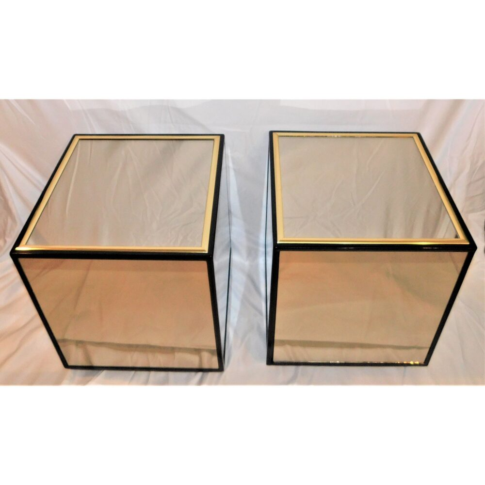 vintage-henredon-black-lacquer-and-brass-mirrored-cube-tables-a-pair-0918
