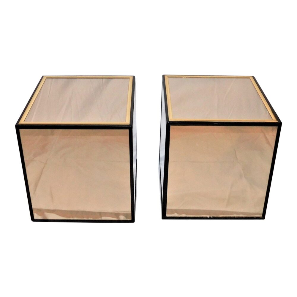 vintage-henredon-black-lacquer-and-brass-mirrored-cube-tables-a-pair-1018