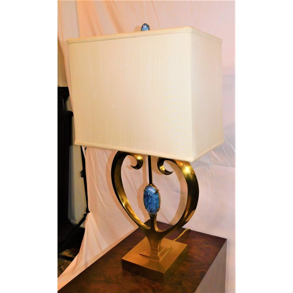 maitland-smith-brass-and-blue-hammer-shell-table-lamp-1707
