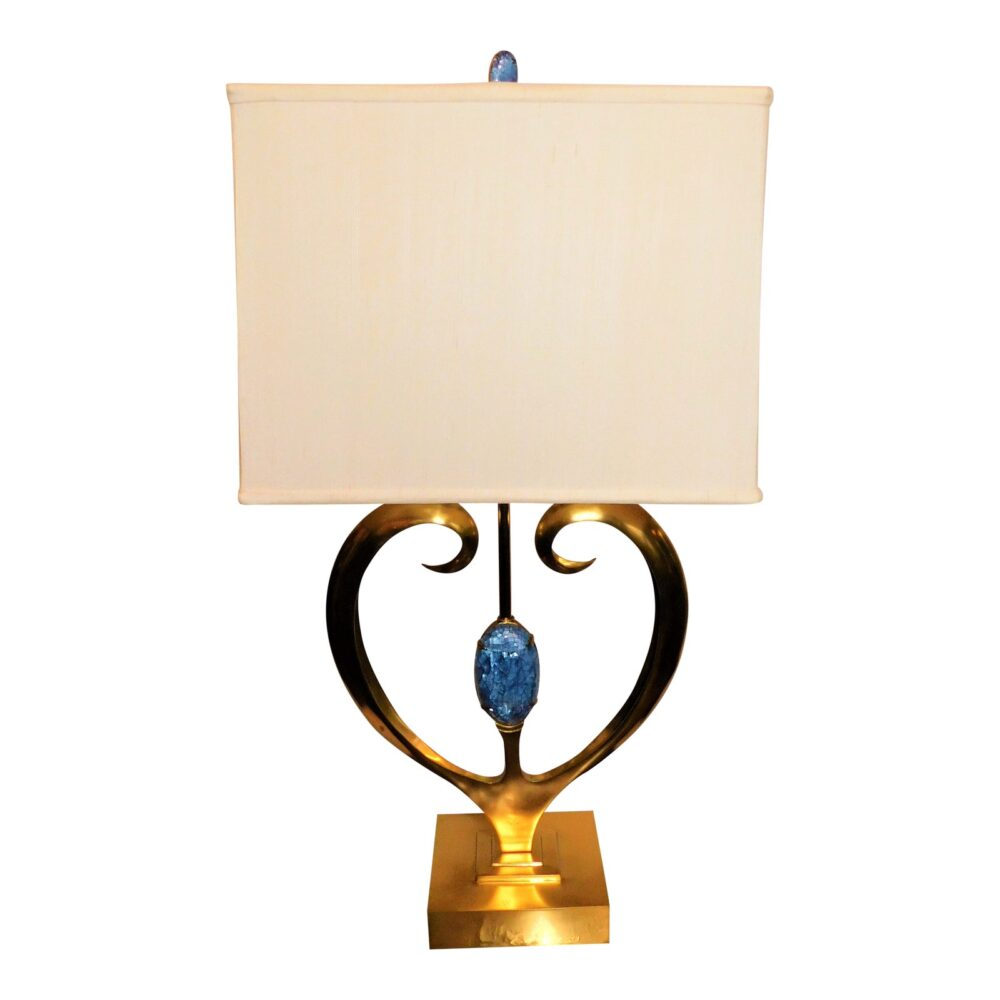 maitland-smith-brass-and-blue-hammer-shell-table-lamp-3064
