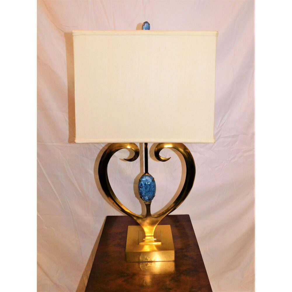maitland-smith-brass-and-blue-hammer-shell-table-lamp-9347