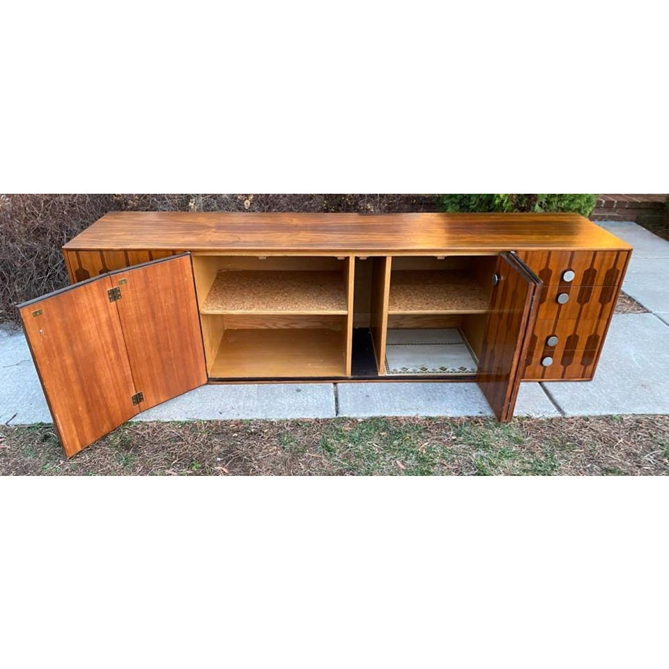 mid-20th-century-rosewood-credenza-winlaid-bi-fold-doors-and-drawers-6958