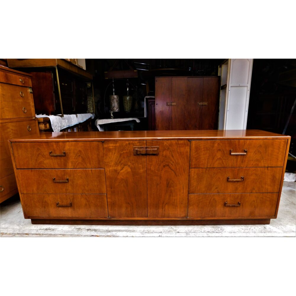 milo-baughman-for-founders-furniture-credenza-4282